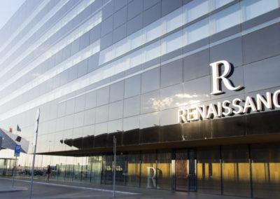 Renaissance-Warsaw-Airport-1078x516